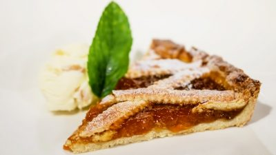 Кростата: пирог с абрикосовым вареньем