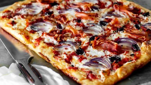 Пицца: рецепты в домашних условиях в духовке