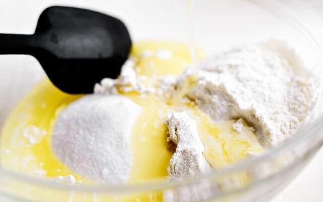 Шарлотка из ревеня самый лёгкий пошаговый рецепт с фото