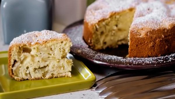Шарлотка с яблоками: рецепты в духовке