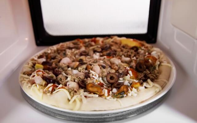 пицца в микроволновке рецепт с фото на готовой основе