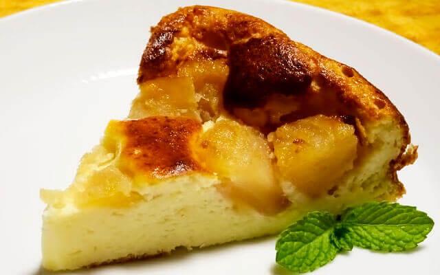 Яблочный пирог с творогом: очень вкусный, нежный и быстрый