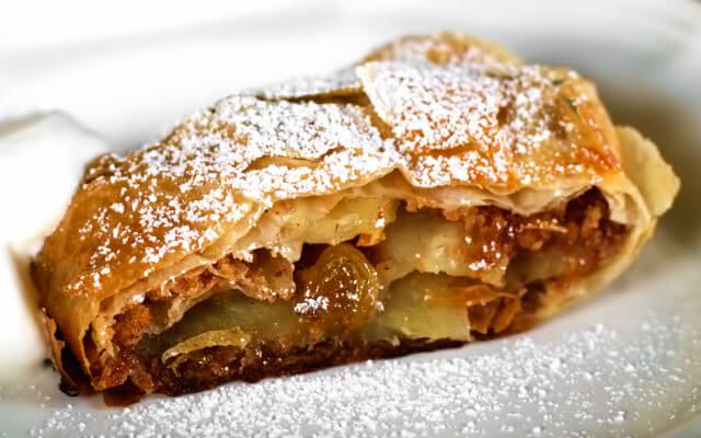 яблочный штрудель из лаваша в духовке простой рецепт